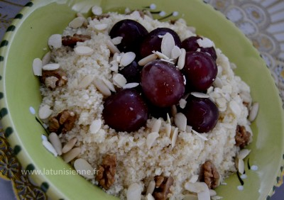 Mesfouf aux raisins et aux fruits secs