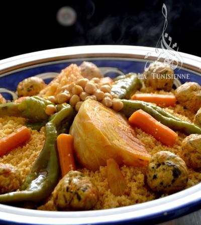 Coucous aux légumes et boulettes de poulet