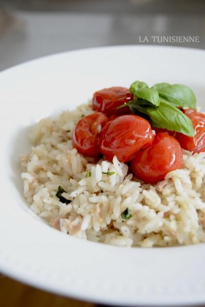 Riz sauté au thon et aux tomates cerises