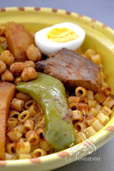 Pâtes tunisiennes au poisson – Maqrouna salsa bel hout