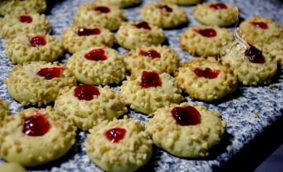 Petits gâteaux faciles à la confiture et aux amandes